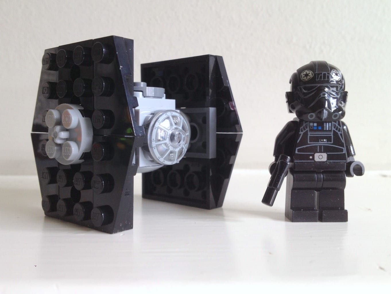 Lego Minifig Camera : Tie fighter and tie fighter pilot minifig from lego star wars